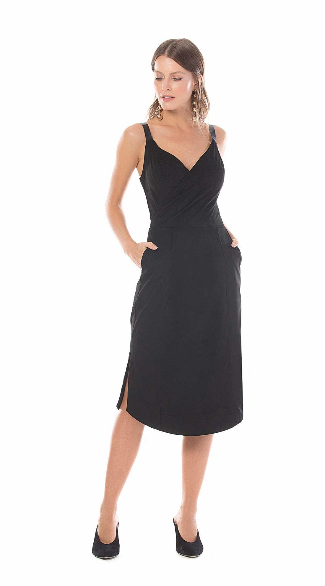 34574405a Vestido Curto Decote V Transpasse Frente Preto - Maria Valentina